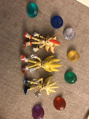 Sonic the hedgehog super pack action figures including 7 chaos emeralds for Sale in Wilmington, MA