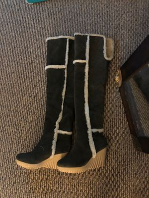 Women's Winter boots size 8 for Sale in Dania Beach, FL