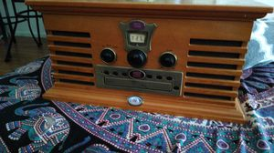 radio, cd player and vinyl disc. for Sale in Pompano Beach, FL