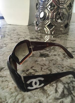 Chanel sunglasses for Sale in Phoenix, AZ