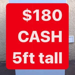 ‼️‼️YESSS It's AVAILABLE‼️‼️Small Refrigerator 5 Ft Tall WORKS GREAT!! for Sale in East Los Angeles, CA