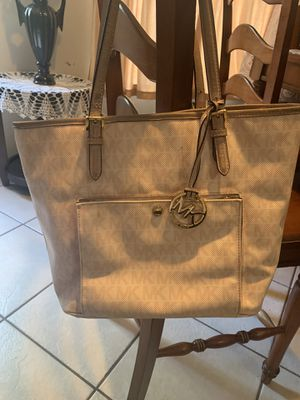 Authentic Michael kors bag for Sale in Houston, TX