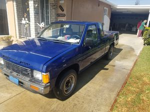 Nissan Hard body V6 for Sale in Pico Rivera, CA