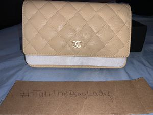 Chanel mini cross body bag for Sale in Atlanta, GA