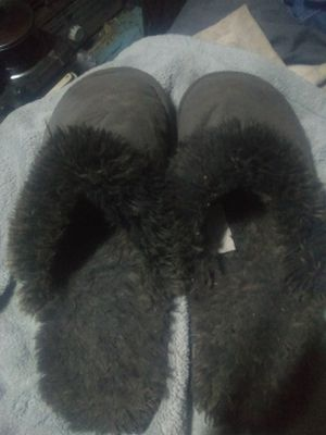 "Restoration hardware slippers,measure 11"" no back design so fits many sizes for Sale in Saint CLR SHORES, MI"
