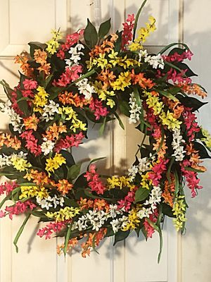 Summer Floral Wreath for Sale in Inwood, WV