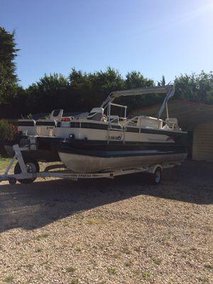 Crestliner Pontoon Boat for Sale in Sulphur, OK