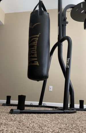 Everlast Heavy Bag/ Speed Bag w Stand for Sale in Roanoke, VA