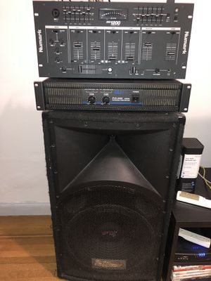 Stereo system with two speakers for Sale in New York, NY