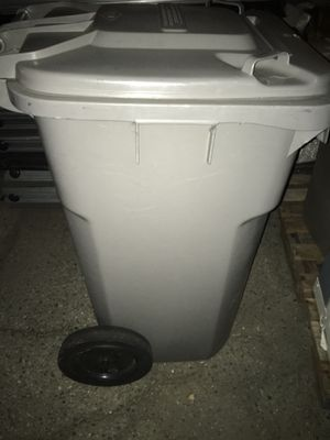 Trash can $25 for Sale in Ontario, CA
