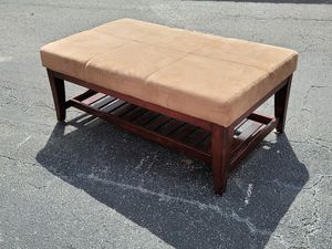 Accent Coffee Table Ottoman for Sale in Orlando, FL