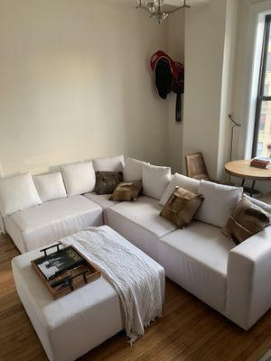 White Leather 6-piece Sectional Couch for Sale in New York, NY