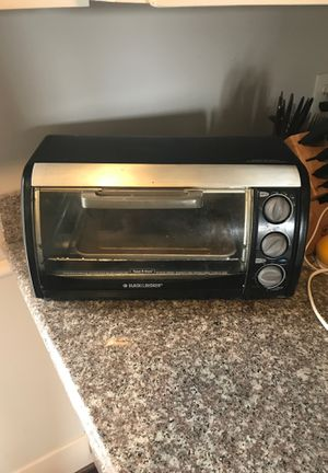 Black and decker toaster oven for Sale in Houston, TX