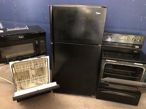 Black 4 piece kitchen appliance package for Sale in Orlando, FL