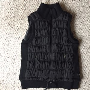 Women XL Calvin Klein Black Puffer Vest with soft sides, shoulder holes and for Sale in Vancouver, WA