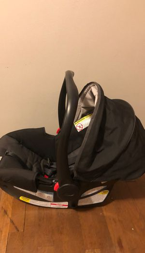 Graco Snugridge 30 Click and Connect Car seat for Sale in Valley View, OH