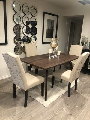New dining table set 5 pcs $399 for Sale in Apple Valley, CA