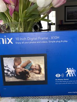 "Nix 10"" Digital Photo Frame W/ Motion Sensor for Sale in Highland,  CA"