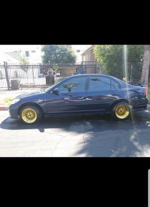 Vendo mi honda civic 2004 titulo limpio $2,600 es manual 5 velocidades a toda prueba lo vendo por que compre otro carro mas espacioso for Sale in Los Angeles, CA