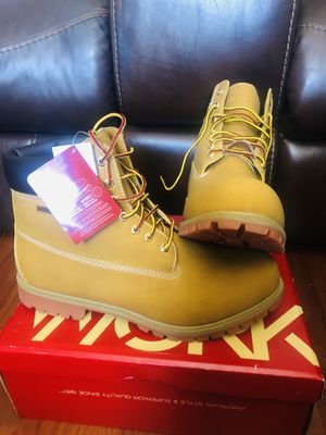 Boots the work size 14w new para hombres for Sale in Miami, FL