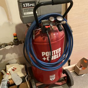 Air Compressor 25 Gal 135 PSI for Sale in Henderson, NV