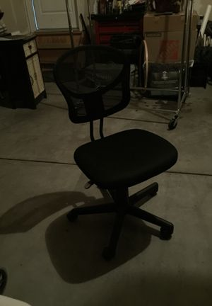 Office desk adjustable chair for Sale in Aurora, CO