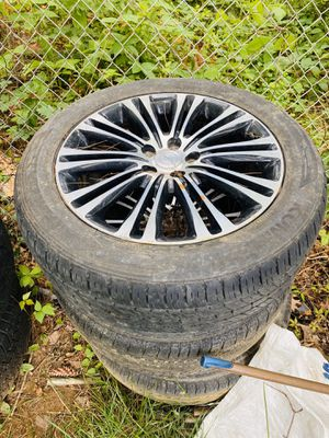 Crysler 200/300 Wheels FREE dont ask me questions. for Sale in Laurel, MD