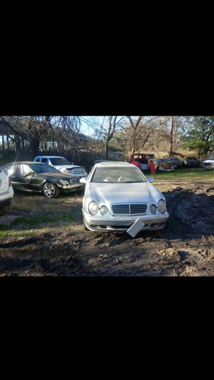 2001 Mercedes CLK 320 Parts Only for Sale in Irving, TX