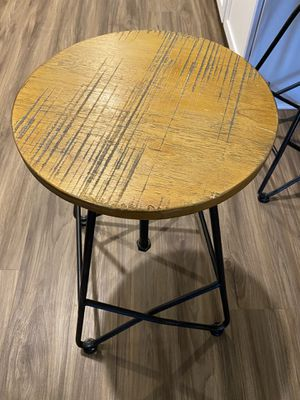 Adjustable Wooden Barstools (4) for Sale in Orlando, FL