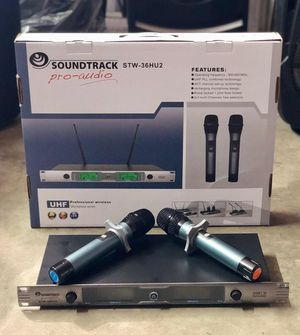 Professional Set of two wireless microphones. UHF frecuency. Multipurpose. Singers, Church, Speakers. Easy to set up. Brand new. Electronics. for Sale in Miami, FL