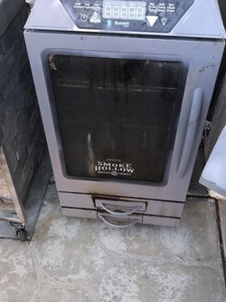 Electric Smoker ( Bluetooth) for Sale in Victorville,  CA