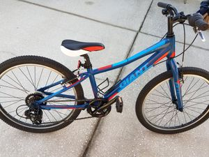 "20"" youth Giant bike 6 months new for Sale in Tampa, FL"