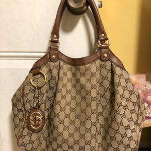 GUCCI GG Canvas Sukey Bag 100% authentic for Sale in Temple City, CA
