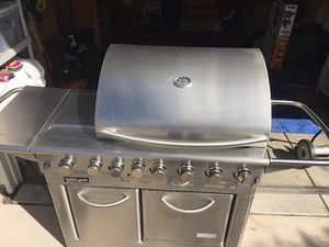 Gorgeous Gas Bbq Grill!! for Sale in Colorado Springs, CO