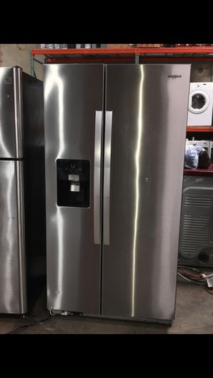 WHIRLPOOL STAINLESS STEEL REFRIGERATOR WATER AND ICE MAKER for Sale in Mission Viejo, CA
