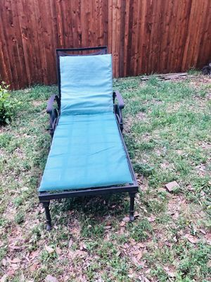 Relaxing Patio Pool Chair for Sale in Irving, TX