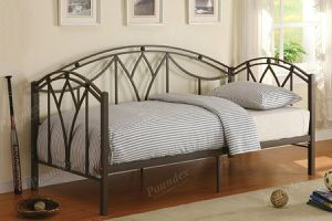 Brand new silver metal twin trundle bed frame for Sale in San Diego, CA