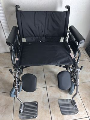 """Medline Excel Shuttle Bariatric 28"""" Extra-Wide Wheelchair (MDS809850) for Sale in South Miami, FL"""