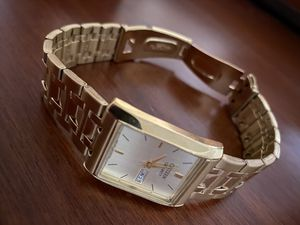 Citizen Gold Rectangular Wrist Watch for Sale in UPPR Saint CLAIR, PA