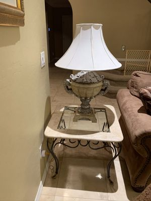 Marble end table for Sale in Phoenix, AZ