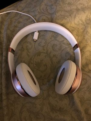 Beats solo 3 wireless for Sale in Fort Lauderdale, FL