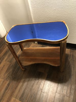 Small table for Sale in Charleston, WV