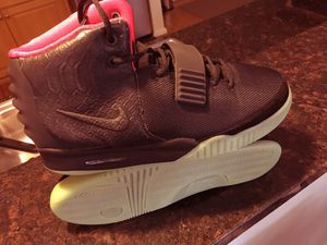 Nike Air Yeezy 2 (Solar Red) for Sale in Chester, VA