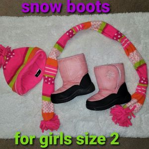 ❄☃️ SNOW BOOTS SIZE 2 FOR GIRLS 🌲🏂 for Sale in Los Angeles, CA