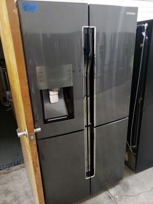SAMSUNG REFRIGERATOR FLEX ZONE 36W, 72H for Sale in Modesto, CA