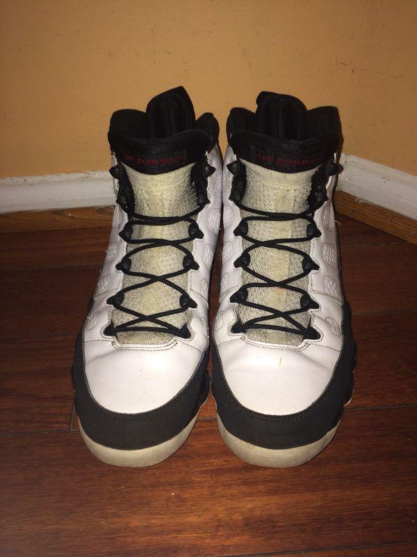 Air Jordan retro 9 playoff size 10