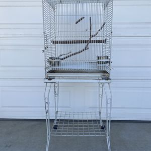 Used Cage For Parrot for Sale in Silverado, CA