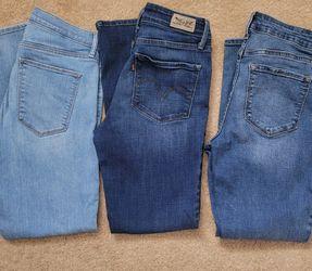 Women's Skinny Jeans for Sale in Gurnee,  IL