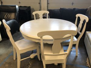 Kitchen Table and Chairs for Sale in Edgewood, WA