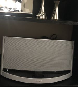Bose soundock 10 Bluetooth and aux for Sale in Boston, MA